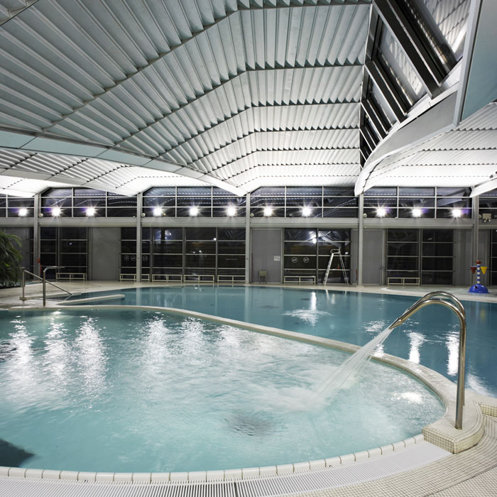 Photographe d 39 architecture photographe professionnel for Complexe sportif claude robillard piscine